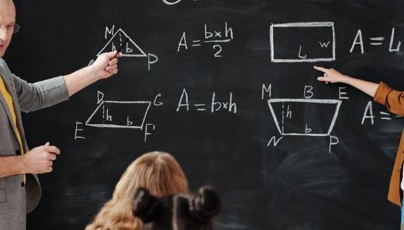 ירידה בשיעור הזכאים לתעודת בגרות הכוללת חמש יחידות מתמטיקה