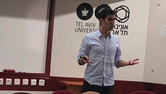 שגיא פומרצנבלום- מנהל השיווק הדיגיטלי של ד״ר עינת קליש, ראשת העיר הנכנסת של חיפה